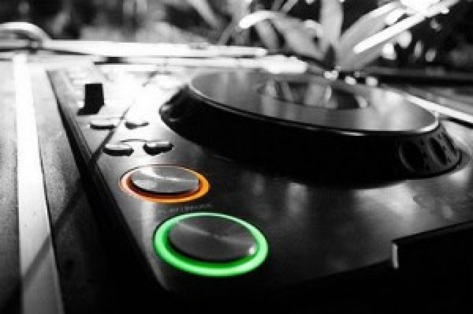 Club DJ - Sydney DJ Booking Agency